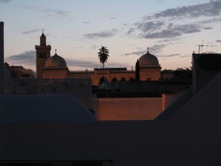 屋上からはモスクが見える。