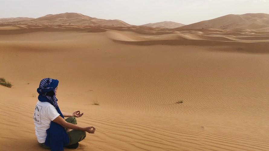 サハラ砂漠での瞑想も素晴らしい。瞑想に感謝します。